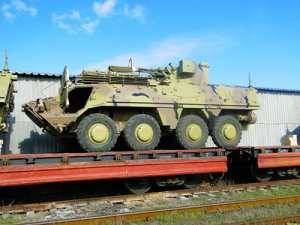The first batch of BTR-4 APCs is shipped to Iraq