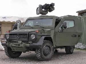 Легкая бронированная колесная машина Daimler AG Enok на оборонной выставке выставке IDET