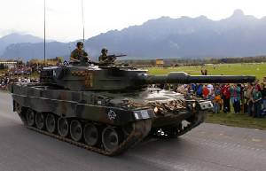 Швейцария передает 12 танков Leopard 2  Канаде