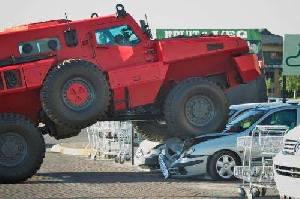 Бронированная машина Marauder была показана в передаче Top Gear