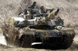 Первая партия самого дорогого в мире боевого танка стала немного дороже
